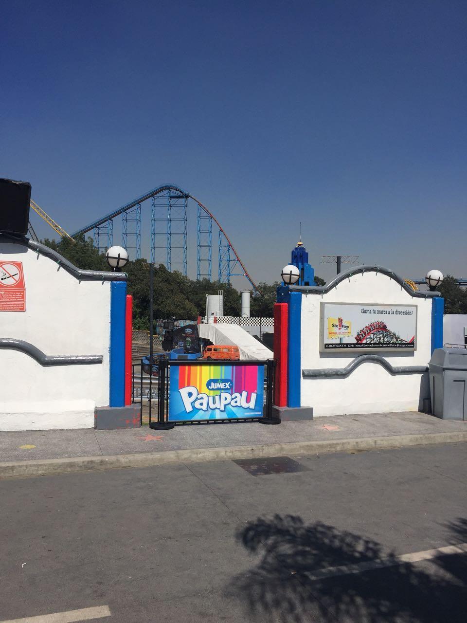 11 Six Flags