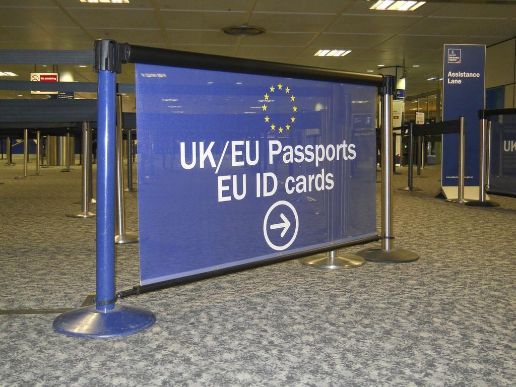 5 Gatwick Airport Passport Control